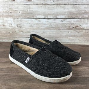 Toms Low Top Fur Lined Black Girls Size 1.5